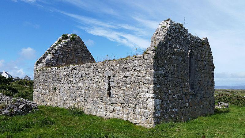 Teampall Chiaráin Inishmore Island