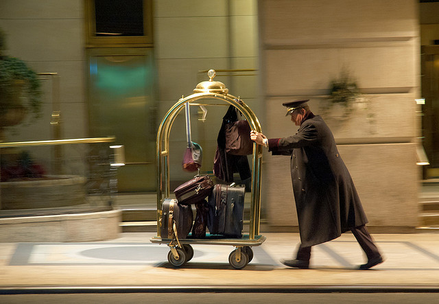 hotel bellhop tipping in ireland