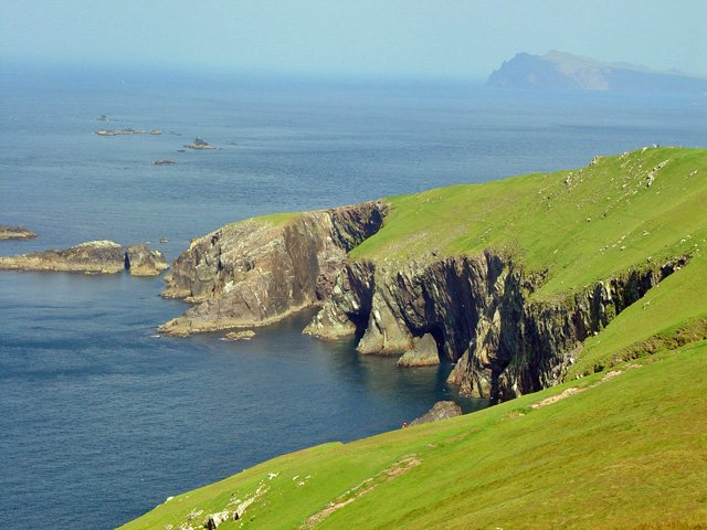 great blasket island cliff